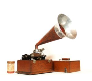Bettini Micro-Standard Phonograph