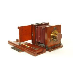 C. 1875 Joshua Billcliff Wet Plate Camera With 2 Repeating Backs For Cartes Des Visites
