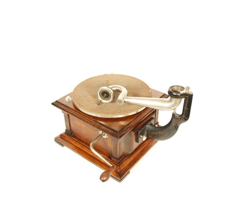 "1908 Victor II ""Humpback"" Phonograph"
