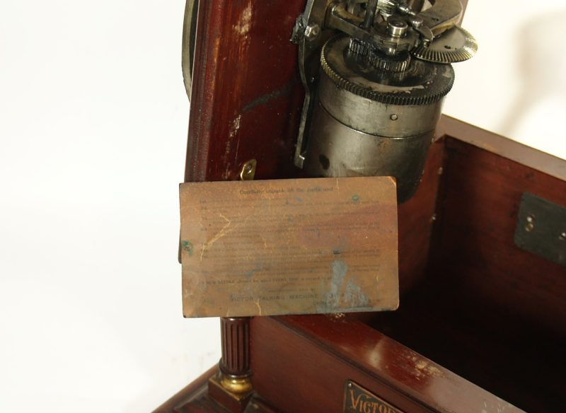 1906 Victor 6 Phonograph With Original Mache Horn