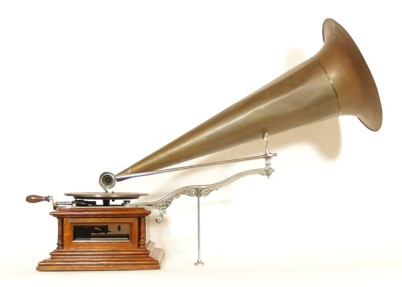 1902 Zonophone Glass-Sided Concert Grand Phonograph