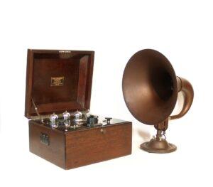 1923 Bristol Model D Radio With Matching Bristol Audiophone Horn Speaker