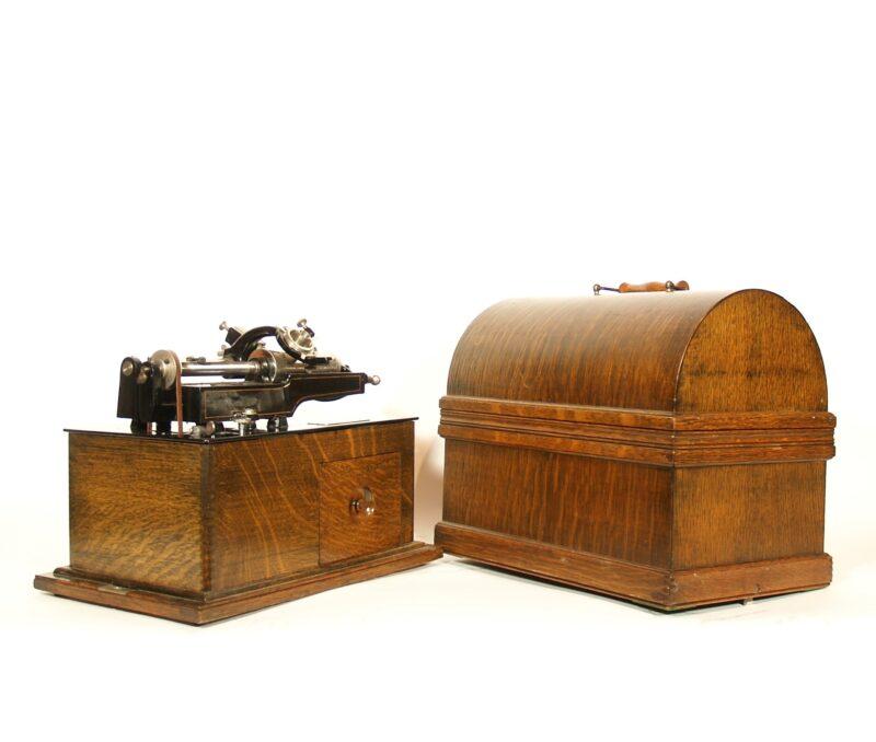 1898 Edison Spring Motor Phonograph