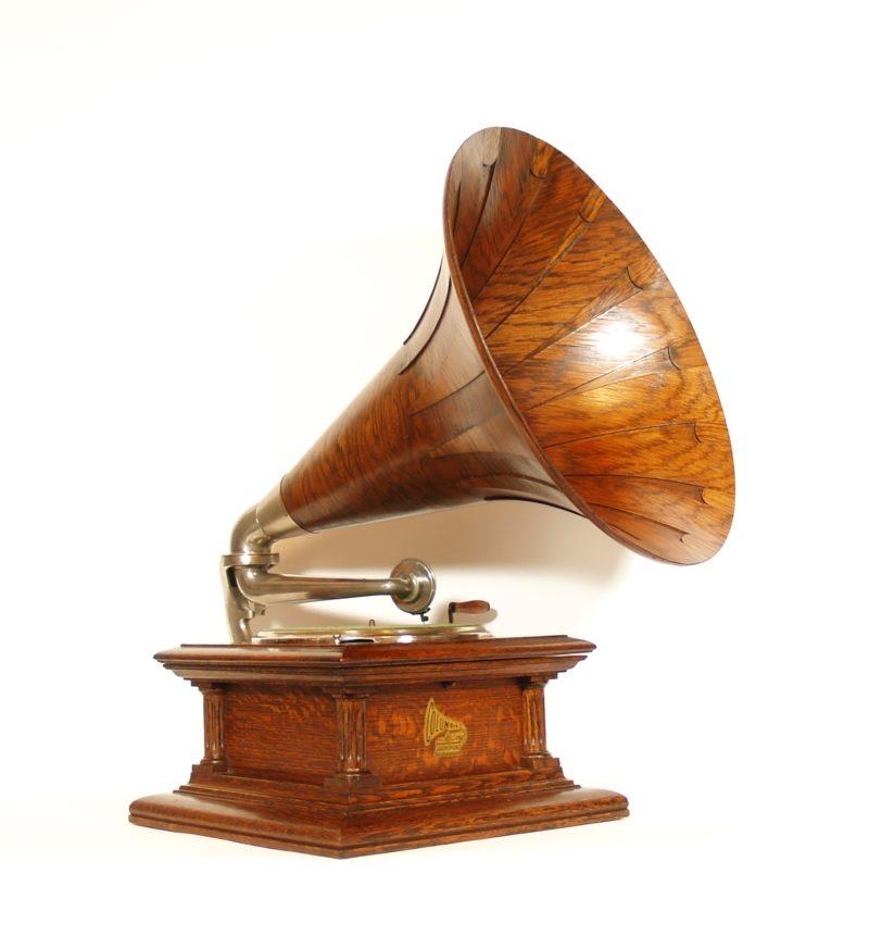 1910 Columbia BII Phonograph With Original Columbia Spear Tip Wood Horn