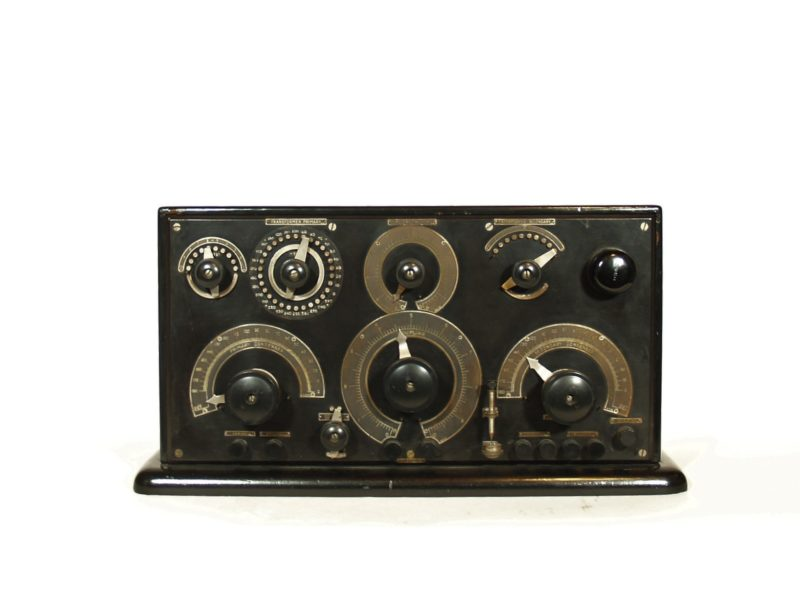 Marconi 106 Radio, manufactured in 1917 by the Marconi Wireless Telegraph Co. of America.