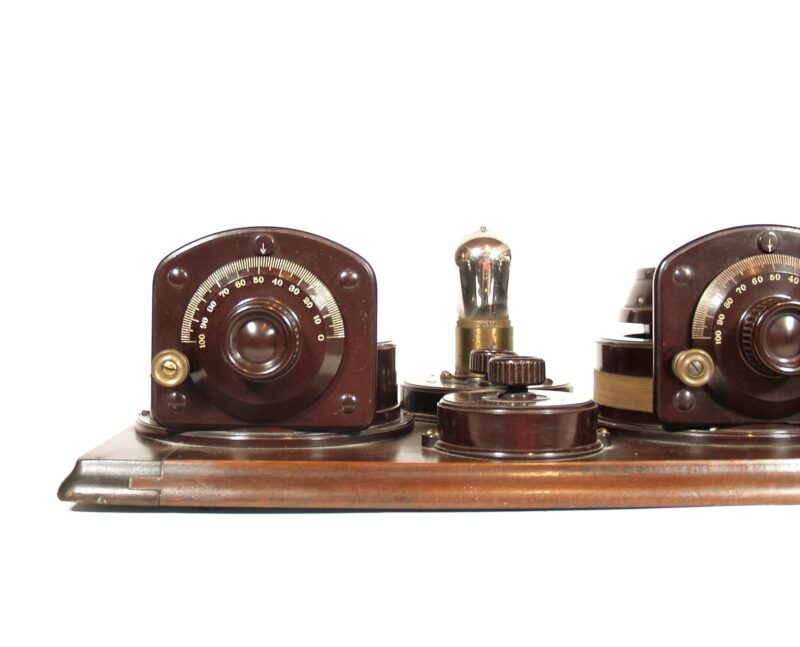 1924 Atwater Kent Model 9-A & Dictogrand Radio Horn