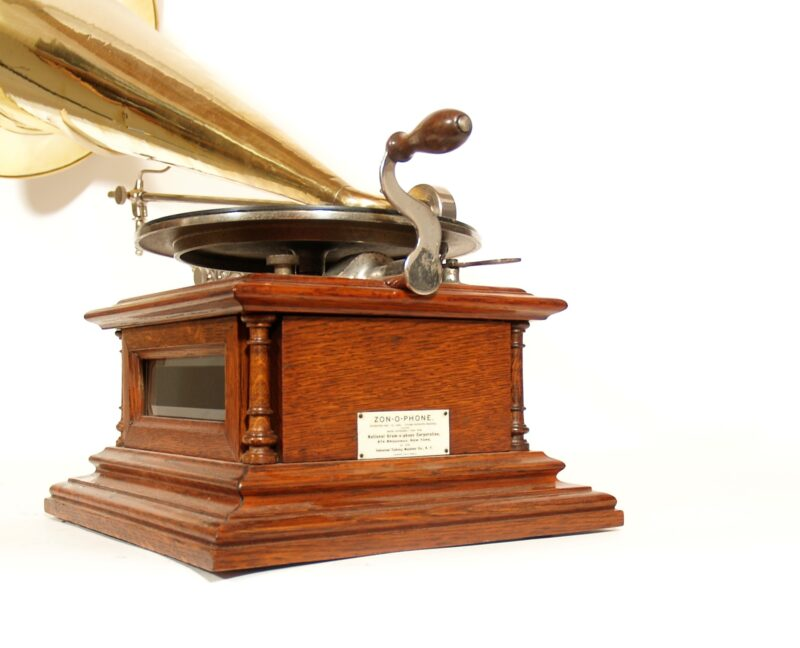 1901 Zon-O-Phone Glass-Sided Concert Grand Phonograph