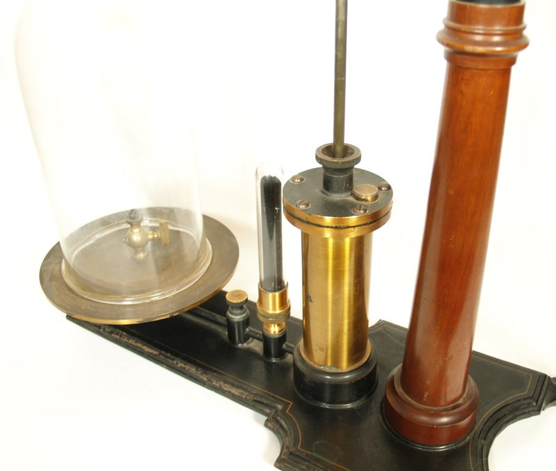 C. 1885 Willyoung & Co. Laboratory Vacuum On Japanned Cast Iron Base