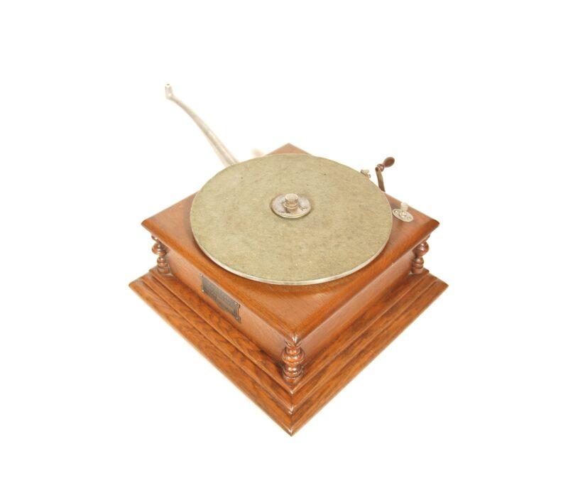 "1901 Eldridge Johnson Type M ""Victor"" Phonograph"