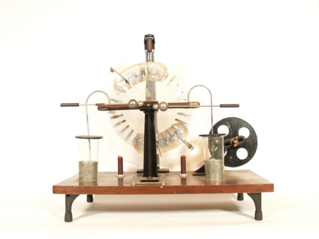 Cenco Toepler Holtz Machine
