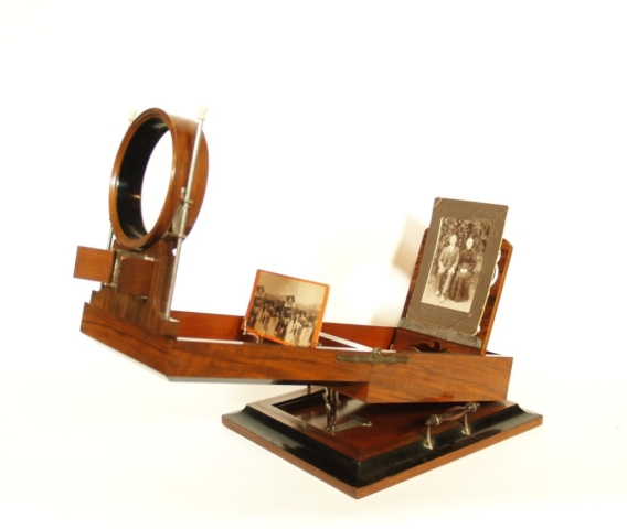 Lewis Deluxe Stereoscope